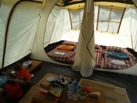 fasilitas dalam tenda